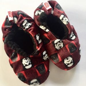 Star Wars Slippers Fuzzy House Shoes Kids Medium
